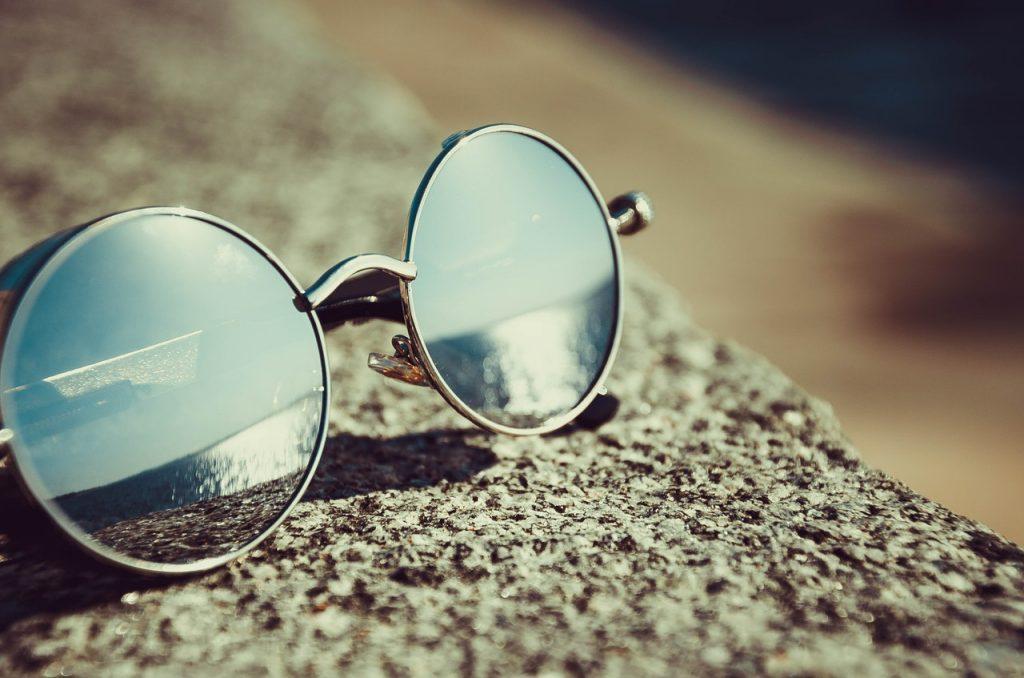 Jak dobrać okulary przeciwsłoneczne?
