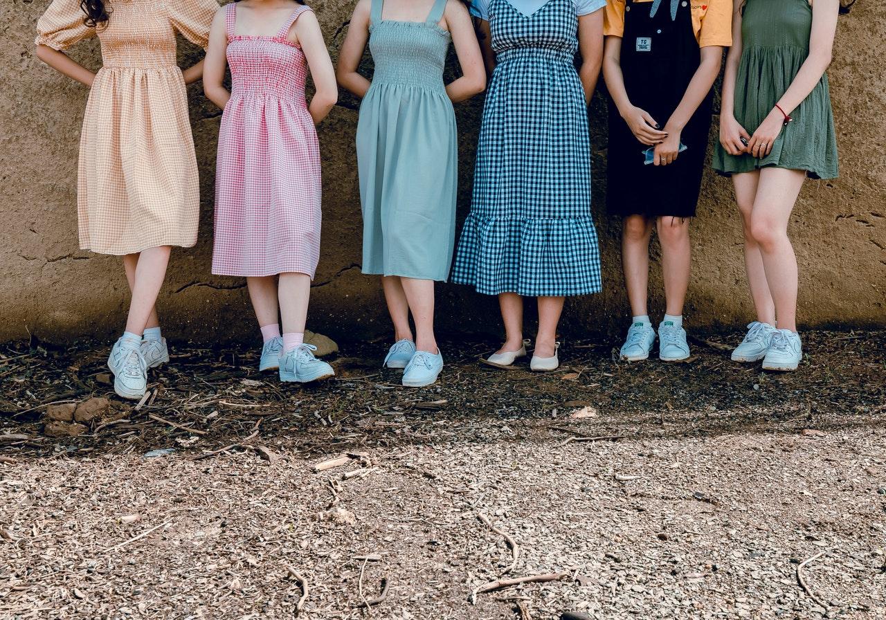 Rodzaje sukienek, które warto mieć w szafie